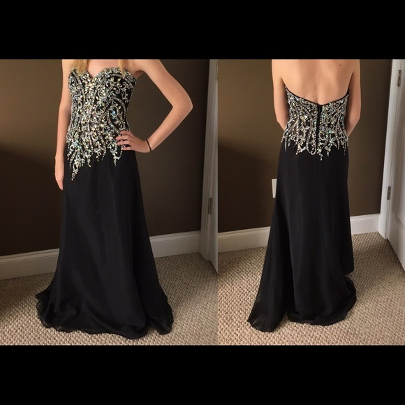 Black Formal/Prom Dress Size 2 Fits like 0